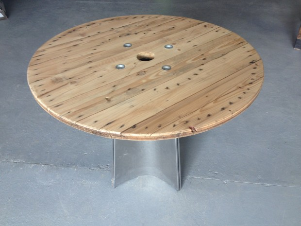 2015-02-TAB-03 Table ronde pied inox